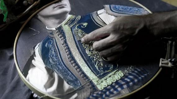 «Ένδυμα Ψυχής»: Φορεσιές ανεκτίμητης ιστορικής σημασίας στο Μέγαρο Χορού Καλαμάτας